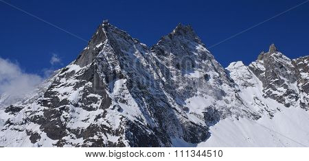 Peak Of Mt Khumbi Yul Lha, Everest National Park
