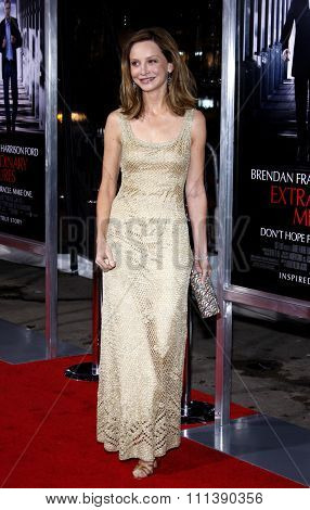 19/1/2010 - Hollywood - Calista Flockhart at the Los Angeles Premiere of
