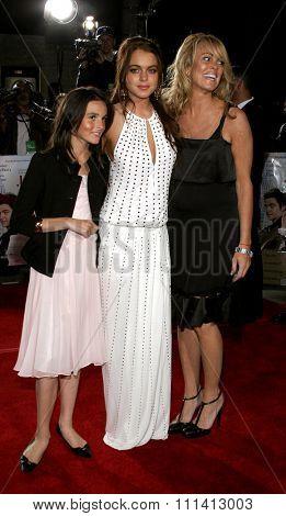 Dina Lohan, Lindsay Lohan and Ali Lohan attend the Los Angeles Premiere of