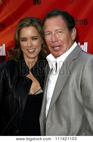 Tea Leoni and Garry Shandling attend the Los Angeles Premiere of