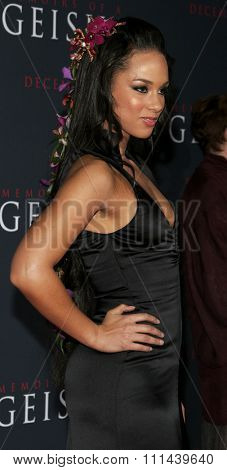 12/04/2005 - Hollywood - Alicia Keys attends the
