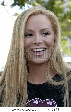 Cindy Margolis at the Standup For Skateparks benefit held at Pinz Bowling Alley in Studio City, California on October 3, 2004.