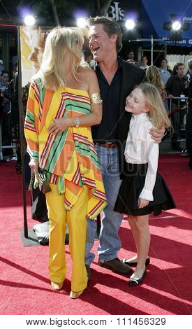 October 9, 2005 - Goldie Hawn, Kurt Russell and Dakota Fanning at the