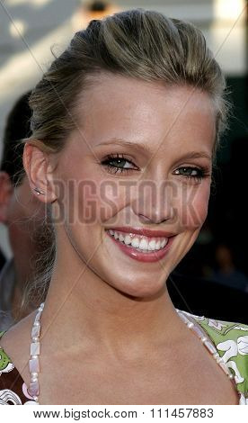 Katie Cassidy attends the Los Angeles Premiere of