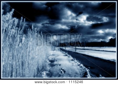 Schneebedeckten Pfad Ir