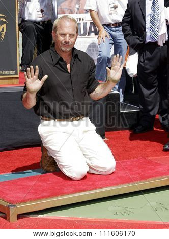 09/06/2006 - Hollywood - Kevin Costner at the Kevin Costner Hand and Footprints Ceremony held at the Grauman's Chinese Theater in Hollywood, California, United States.