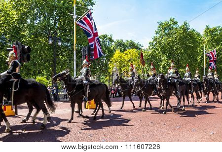 Household Cavalry Walk Along The Mall In London, England