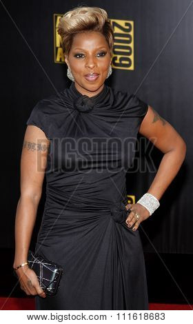 Mary J. Blige at the 2009 American Music Awards at Nokia Theatre L.A. Live in Los Angeles, USA on November 22, 2009.