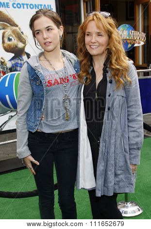 Zoey Deutch and Lea Thompson at the Los Angeles Premiere of