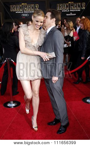 Leslie Bibb and Sam Rcokwell at the World Premiere of