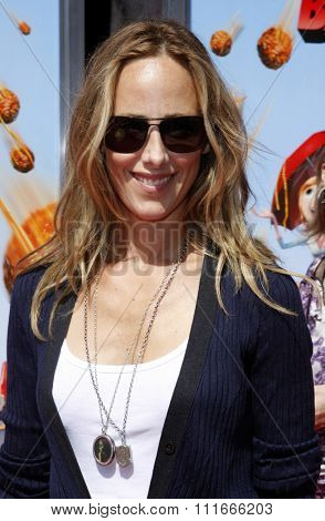 WESTWOOD, CALIFORNIA - September 12, 2009. Kim Raver at the Los Angeles premiere of