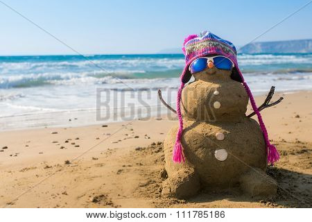 Holidays Snowman with hat made of sand