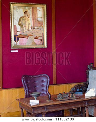 Joseph Stalin Cabinet , Georgia