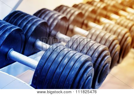 Number of heavy dumbbells on rack