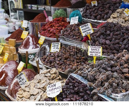 Famous turkish delights on the market in Stamul poster