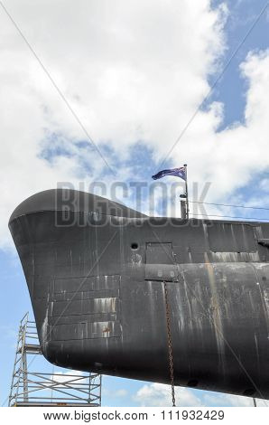 HMAS OVENS Bow with Australian Flag: Fremantle, Western Australia