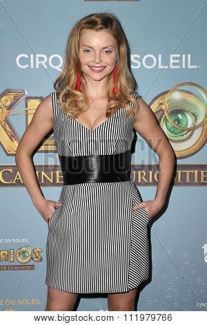 LOS ANGELES - DEC 09:  Izabella Miko at the Cirque Du Soleil's