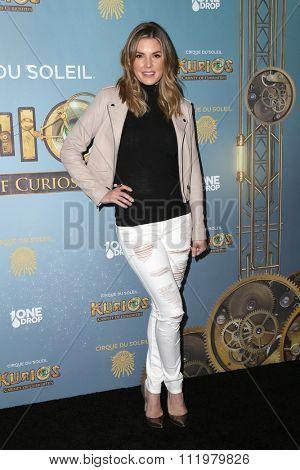 LOS ANGELES - DEC 09:  Nikki Moore at the Cirque Du Soleil's
