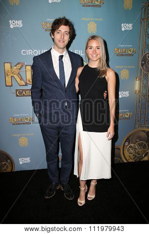 LOS ANGELES - DEC 09:  Thomas Middleditch, Mollie Gates at the Cirque Du Soleil's