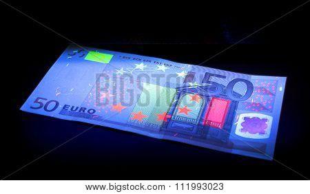 Checking money
