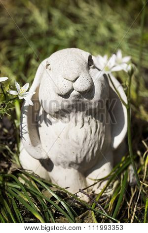ceramic garden rabbit