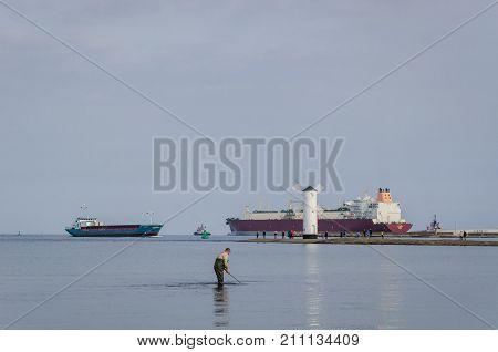 SWINOUJSCIE / POMERANIAN BAY, POLAND: LNG Tanker  flows to Qatar after delivery of natural gas