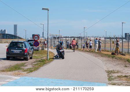 Plane Spotters At Copenhagen Airport