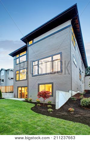Luxurious New Construction Home In Bellevue, Wa.