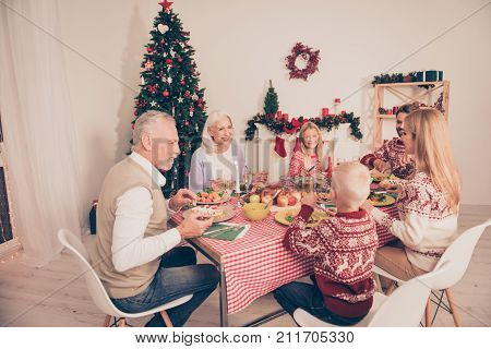 Bon Appetite To Six Cheerful Relatives, Setted Festive Desktop, Full Of Yummy Treats, Married Couple