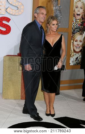 LOS ANGELES - OCT 30:  Robert F Kennedy Jr, Cheryl Hines at the