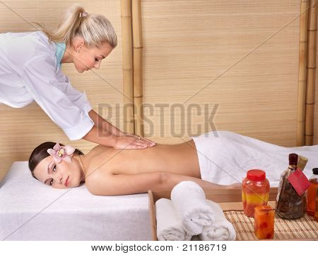 rossiyskie-massazhnie-porno