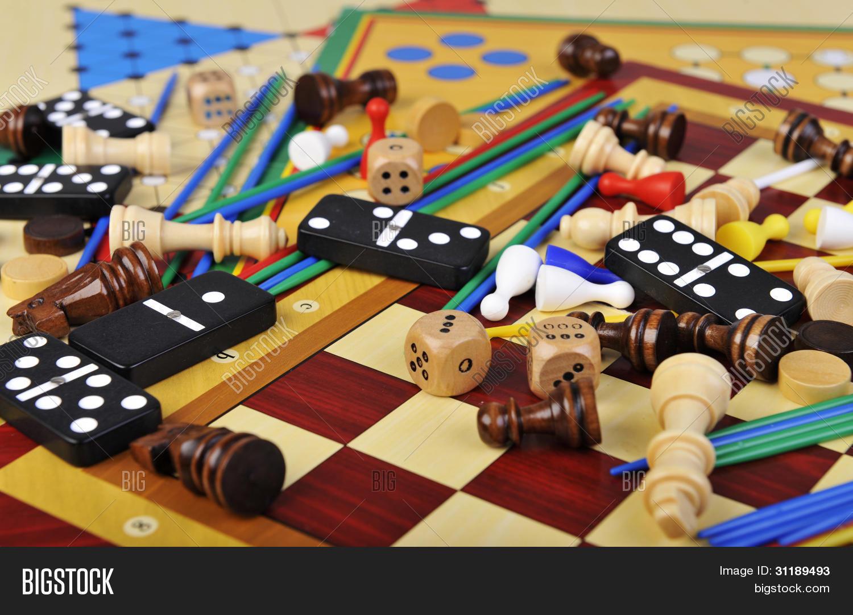 Imagen Y Foto Varios Juegos De Prueba Gratis Bigstock