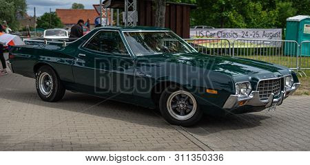 Paaren Im Glien, Germany - June 08, 2019: Mid-size Car Ford Ranchero 500 (sixth Generation). Die Old