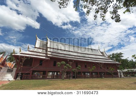 Beautiful Sermon Hall In A Monastery At Wat Yai-suwannaram. This Place Is An Important Old Temple In