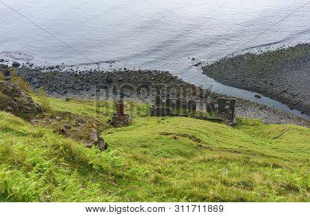 An Cailc , The Mining Of Diatomite On Skye ,  Lealt , Scotland