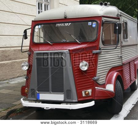 Old Funny Bus