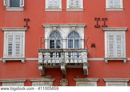 Terrace Balcony At Old Red House In Rovinj Croatia