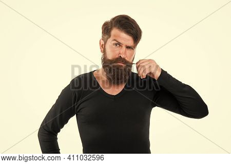 Individual Beard Styles. Maximum Length You Can Genetically Grow. Caucasian Guy Long Beard. Bearded