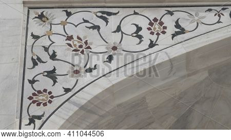 Agra, India - March, 26, 2019: Close Up Of Floral Decorations On The Taj Mahal