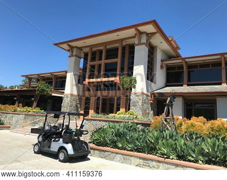 COTO DE CAZA, CALIFORNIA - JULY 20, 2019: Clubhouse and Cart at the Coto de Caza Golf and Racquet Club, a private 36-hole country club in Orange County that offers tennis and a spa.