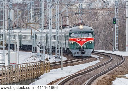 Moscow, Russia - March 04, 2021: Retro Passenger Train Er-2K Number 980. Trains Er-2 Were Made In Ri