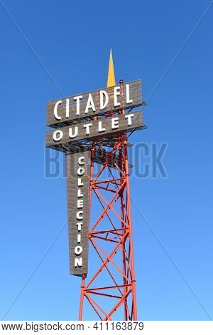 COMMERCE, CALIFORNIA - 26 FEB 2020: Citadel Outlet Mall Tower. Los Angeles only outlet shopping center, with over 130 top name brand stores and restaurants.