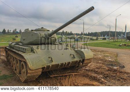 Minsk, Belaraus - October 2, 2012: Soviet T-34 Tank In The Belarusian Museum Complex Stalin's Line