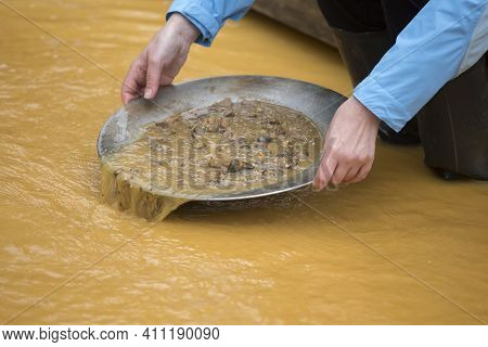 Gold Washing, Gold Panning, Female Gold Digger