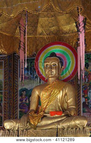 Buddha In Hundred Pilars Pagoda
