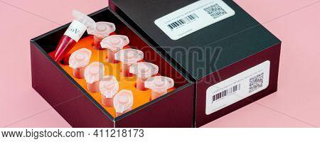 Coronavirus (COVID-19) IgM IgG Rapid Test Kit. covid-19  IGM  IGG antibody diagnostic test in microbiological lab