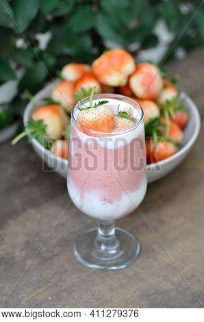 Strawberry Smoothie Or Strawberry Yogurt Smoothie, Berry Smoothie