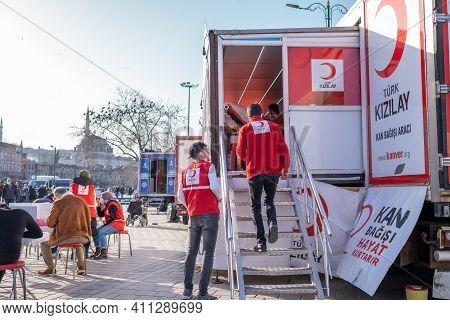 Eminonu, Istanbul, Turkey - 02.26.2021: Volunteers And Workers Of Blood Donation. Translation On Tab