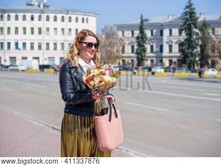 Concept Of Life Modern Woman In Big City, Lifestyle Citizen Peoples, Lady At Spring Or Autumn Day. M