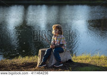 Lonely Kid. Loneliness Alone Child. Children Anxiety Depression, Mental Problems. Kids Emotions. Neg